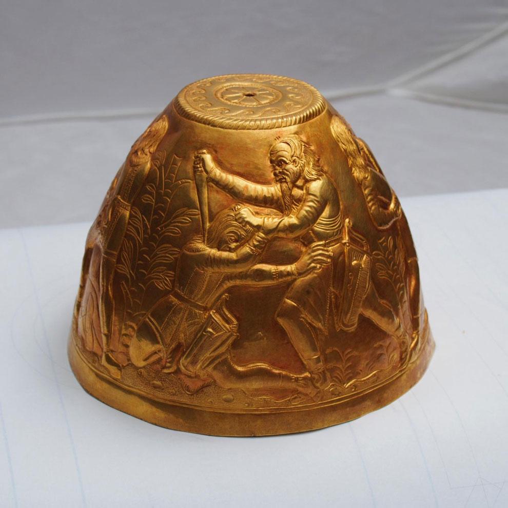 На артефактах из скифского кургана нашли следы опия и конопл.