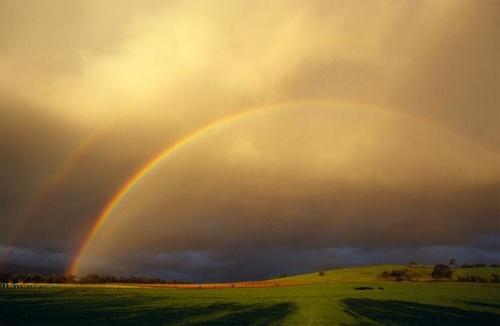 光と影の虹
