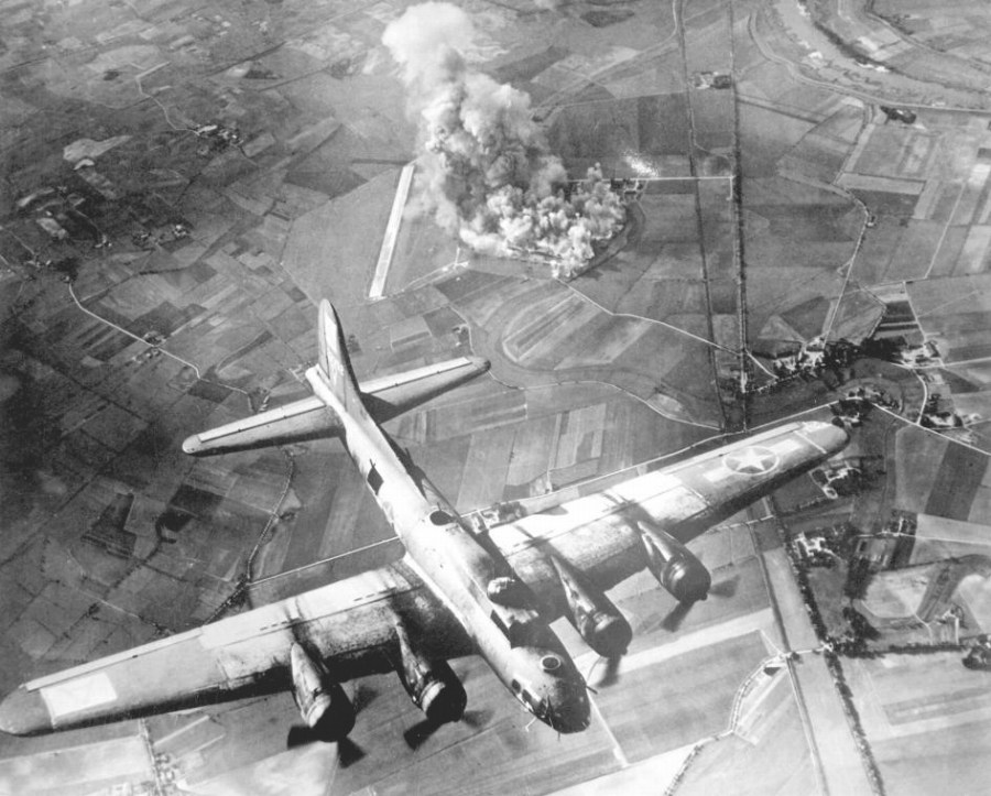 第二次大戦の空襲のエネルギー、宇宙に達していた | ナショナルジオ ...