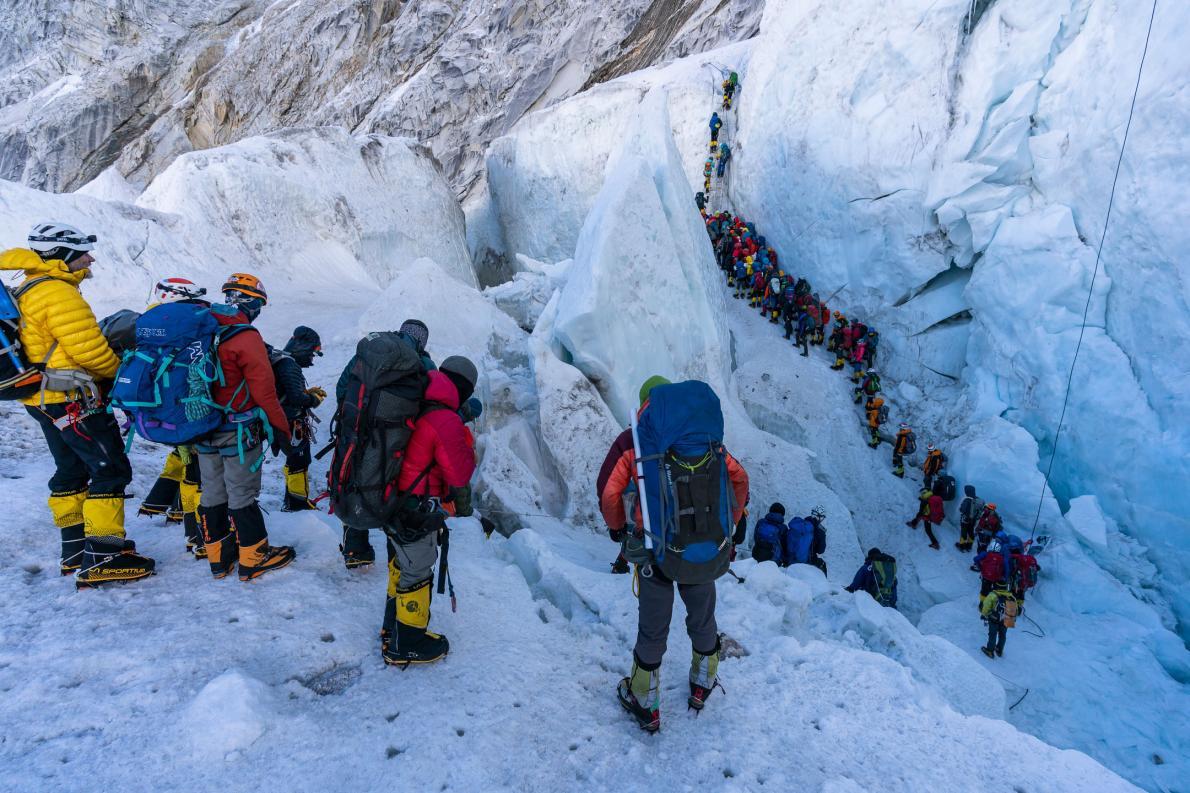 エベレスト登山、渋滞の背後にある大きな問題ナショナルジオグラフィック日本版サイト