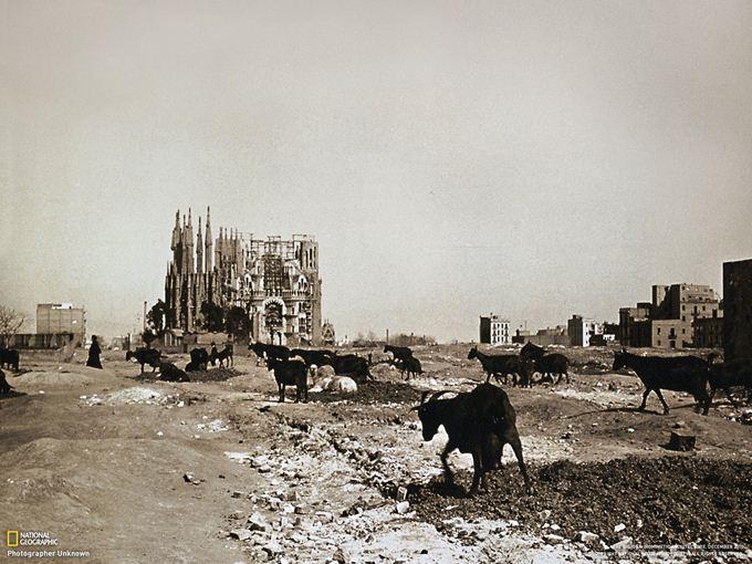 1915年当時のサグラダ・ファミリア (スペイン・バルセロナ ...