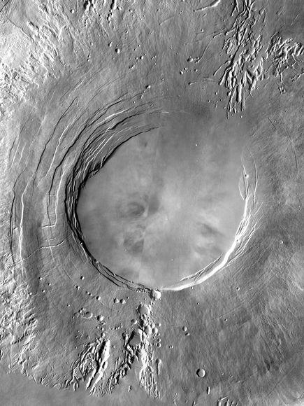 """オリンポス山、""""太陽系最大""""を返..."""