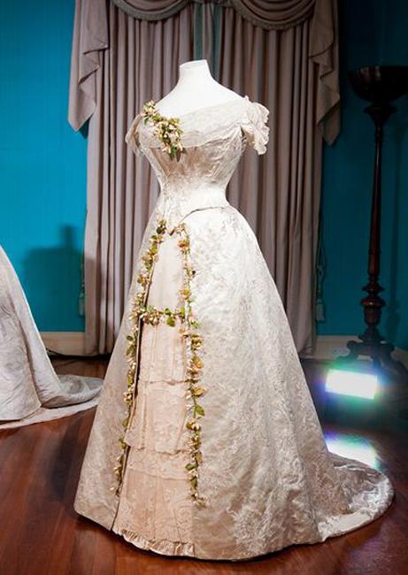 白いドレスの起源、英王室ウェディング