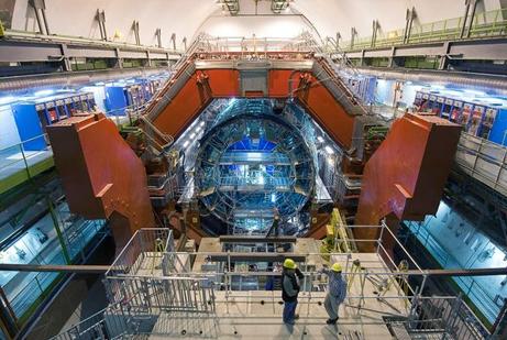 LHC、史上最高密度の物質を生成 ...