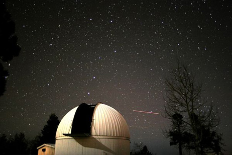 2つの小惑星、間もなく地球付近...