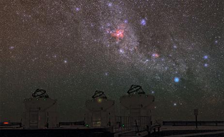 カリーナ星雲とパラナル天文台 |...