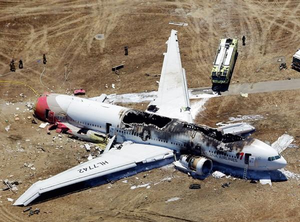 アシアナ機事故、背景に韓国文化...
