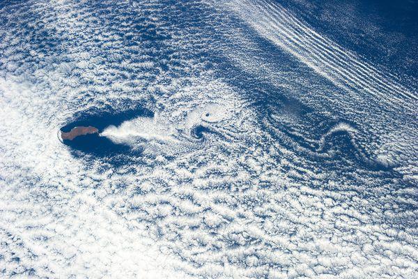 重力波と渦列、グアダルーペ島の...