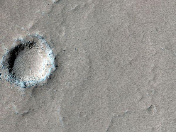 火星の火山に生命に適した湖の形...