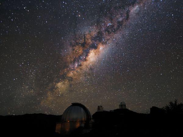 ラ・シヤ天文台と天の川 | ナシ...