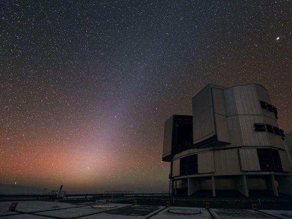 超大型望遠鏡と満天の星 | ナショナルジオグラフィック日本版サイト