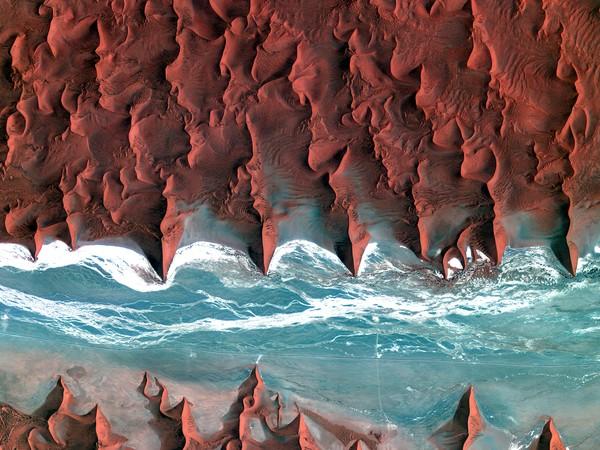 ... に流れる乾いた川、ナミビア