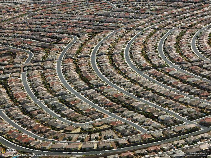 ラスベガス郊外 一面に広がる住宅地 米国ラスベガス郊外に広がる新興住宅... ラスベガス郊外 一